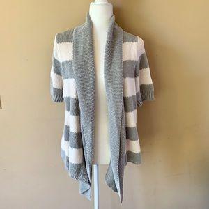 Sonoma Life + Style medium gray white sweater
